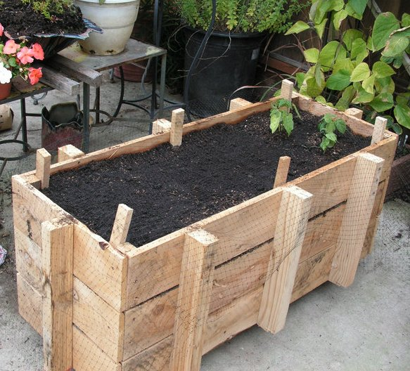 Pallet Planter Box for Garden